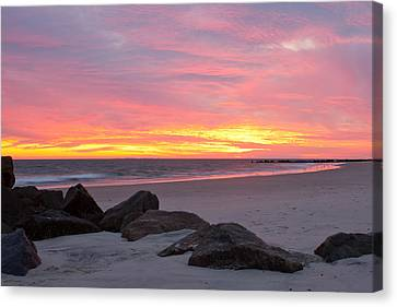 Canvas Print featuring the photograph Long Beach Sunset by Jose Oquendo
