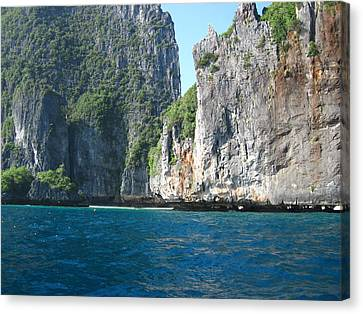 Long Boat Tour - Phi Phi Island - 011324 Canvas Print by DC Photographer