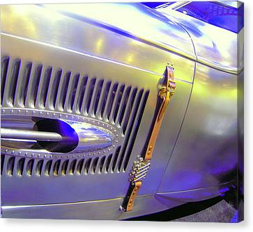 Louvered And Buckled In Las Vegas Canvas Print by Don Struke