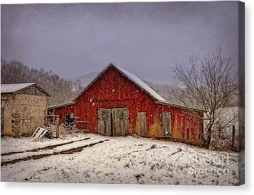 Canvas Print featuring the photograph Love Old Barns by Brenda Bostic
