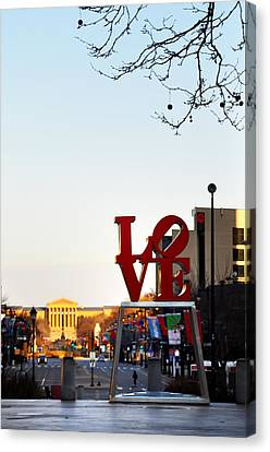 Love Statue And The Art Museum Canvas Print by Bill Cannon