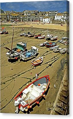 Low Tide At St Ives Cornwall Uk 1990 Canvas Print by David Davies