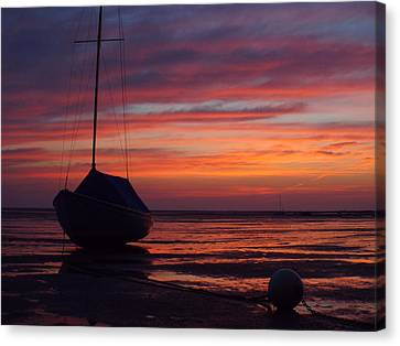 Canvas Print featuring the photograph Sunrise At Low Tide by Dianne Cowen