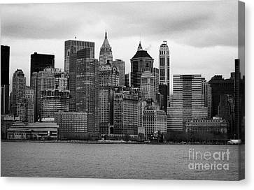 Lower Manhattan Shoreline And Skyline Waterfront Battery Park New York City Canvas Print