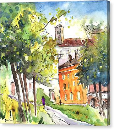 Lucca In Italy 02 Canvas Print by Miki De Goodaboom