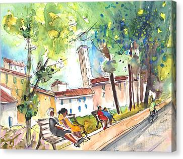 Lucca In Italy 03 Canvas Print by Miki De Goodaboom