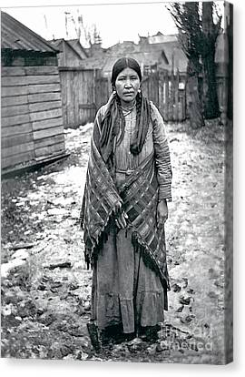 Lucy From The Yakama Tribe 1912 Canvas Print