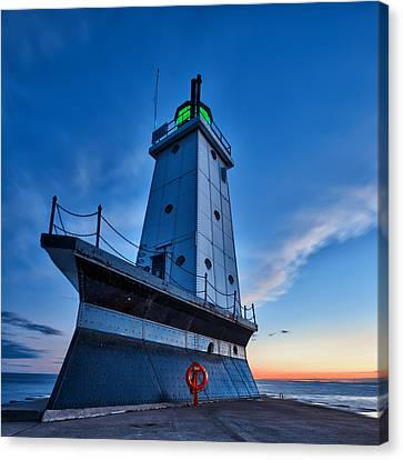 Canvas Print featuring the photograph Ludington Lighthouse by Sebastian Musial