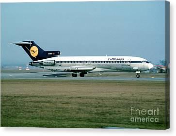 Lufthansa Boeing 727 Canvas Print by Wernher Krutein