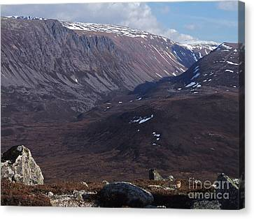 Lurchers Crag - Cairngorm Mountains Canvas Print