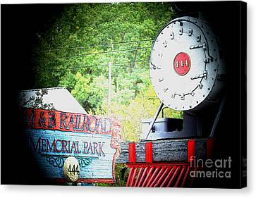 M And B Memorial Park Canvas Print by Kim Pate