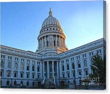 Madison Wisconsin Capitol Building - 02 Canvas Print by Gregory Dyer