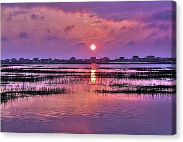 Magenta Sunrise Canvas Print by Ed Roberts