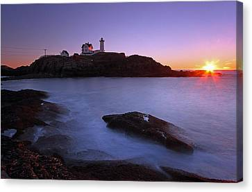 Maine Cape Neddick Nubble Lighthouse Canvas Print by Juergen Roth
