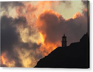 Canvas Print featuring the photograph Makapuu Lighthouse Sunrise 1 by Leigh Anne Meeks