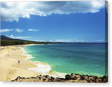 Makena Beach Lookout Canvas Print by Kicka Witte