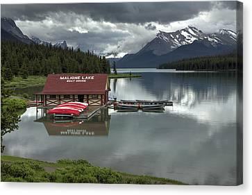 Maligne Lake Jasper Park Canvas Print