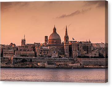 Malta 01 Canvas Print by Tom Uhlenberg