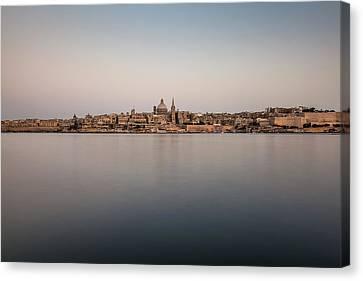 Malta 07 Canvas Print by Tom Uhlenberg