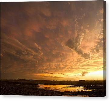 Canvas Print featuring the photograph Mammatus Clouds by Rob Graham
