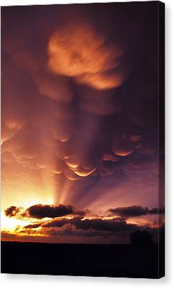 Canvas Print featuring the photograph Mammatus Sunset Over Colorado by Jason Politte