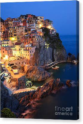Manarola At Night In The Cinque Terre Italy Canvas Print