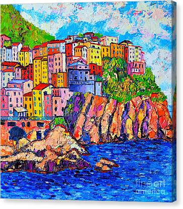 Manarola Cinque Terre Italy Detail Canvas Print by Ana Maria Edulescu