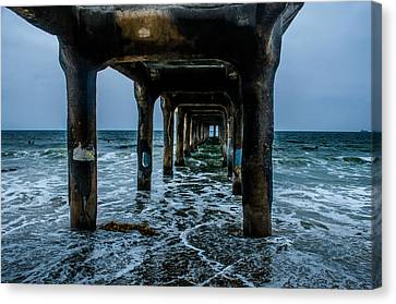 Manhattan Beach Peir Canvas Print