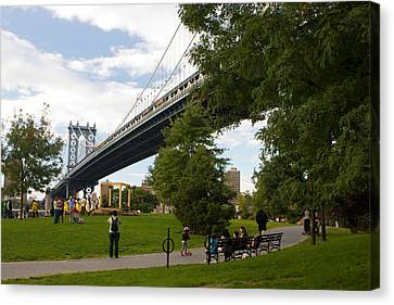 Canvas Print featuring the photograph Manhattan Bridge And Park by Jose Oquendo