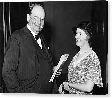 Margaret Sanger With Senator Canvas Print by Underwood Archives