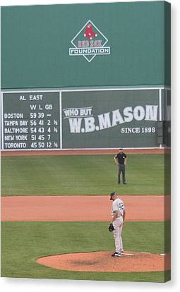 Mariano On The Mound Canvas Print by Stephen Melcher