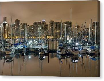 Marina Along Stanley Park In Vancouver Bc Canvas Print by David Gn