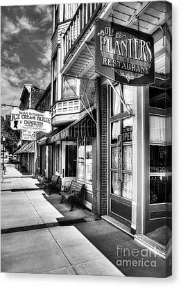 Mark Twain's Town Bw Canvas Print by Mel Steinhauer