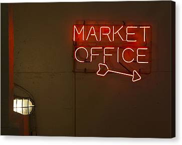 Market Office To The Right Canvas Print by Scott Campbell