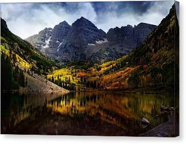 Canvas Print featuring the photograph Maroon Bells - An American Icon by Ellen Heaverlo