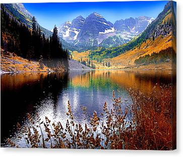Maroon Bells At Maroon Lake Canvas Print