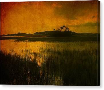 Marsh Island Sunset Canvas Print by Susanne Van Hulst