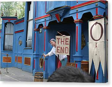 Maryland Renaissance Festival - A Fool Named O - 121261 Canvas Print by DC Photographer
