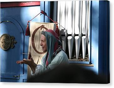 Maryland Renaissance Festival - A Fool Named O - 12127 Canvas Print by DC Photographer