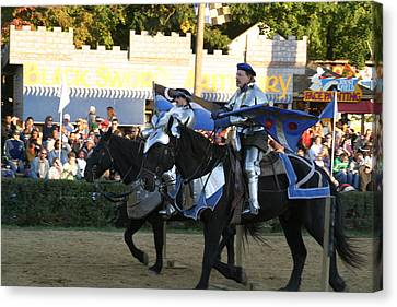 Maryland Renaissance Festival - Jousting And Sword Fighting - 121228 Canvas Print by DC Photographer