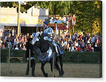 Maryland Renaissance Festival - Jousting And Sword Fighting - 121232 Canvas Print by DC Photographer