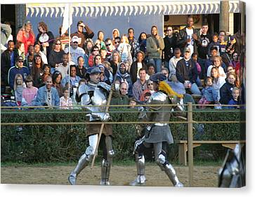 Maryland Renaissance Festival - Jousting And Sword Fighting - 121237 Canvas Print by DC Photographer