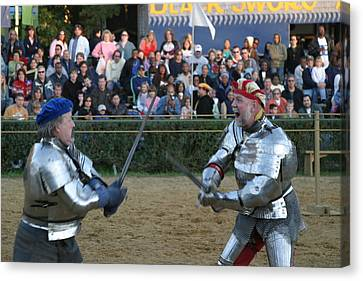 Maryland Renaissance Festival - Jousting And Sword Fighting - 121241 Canvas Print by DC Photographer