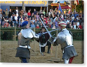 Maryland Renaissance Festival - Jousting And Sword Fighting - 121244 Canvas Print