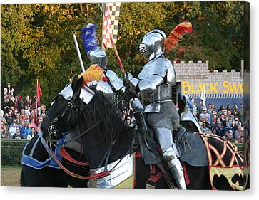Maryland Renaissance Festival - Jousting And Sword Fighting - 121245 Canvas Print by DC Photographer