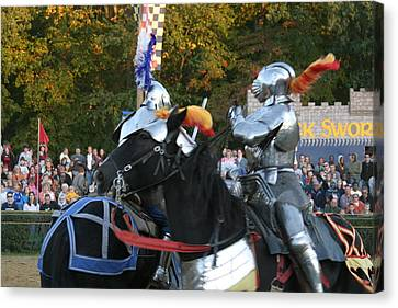 Maryland Renaissance Festival - Jousting And Sword Fighting - 121249 Canvas Print by DC Photographer
