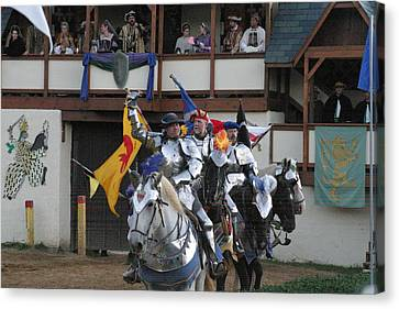 Maryland Renaissance Festival - Jousting And Sword Fighting - 121257 Canvas Print