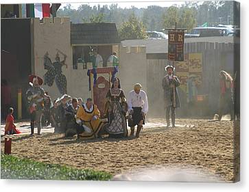 Maryland Renaissance Festival - Jousting And Sword Fighting - 121298 Canvas Print