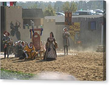 Maryland Renaissance Festival - Jousting And Sword Fighting - 121299 Canvas Print by DC Photographer