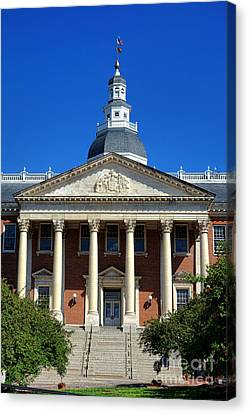 Maryland State House In Annapolis Canvas Print by Olivier Le Queinec